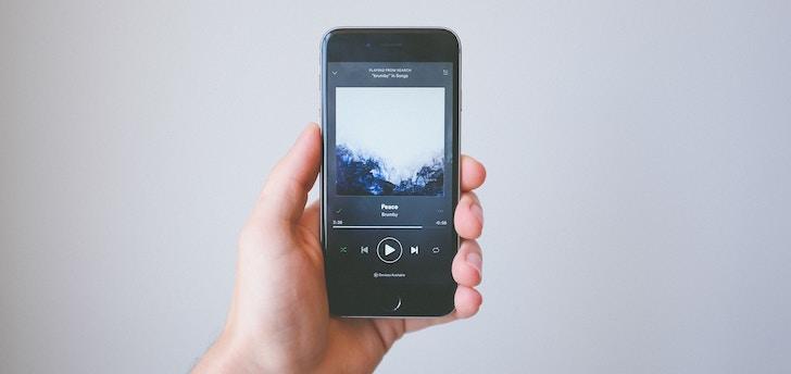 プライムビデオでコナンが見れないため他の動画配信サービスを確認