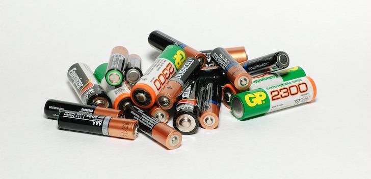 Fire TV Stickリモコンが反応しない:電池が古い