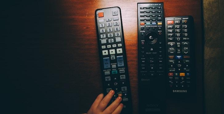 Fire TV Stickリモコンが反応しない:テレビリモコンを使用